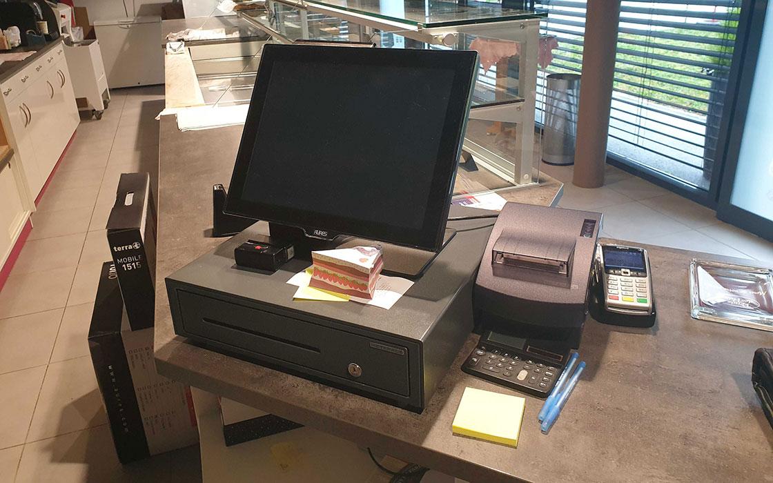 E-NAUMAD materiel informatique professionnel, caisse enregistreuse, E-NAUMAD equipement informatique, E-NAUMAD logiciel informatique, contrat de location de logiciel informatique, maintenance parc informatique